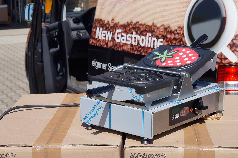 Exklusive Waffeleisen mit Erdbeer-Backform (New Gastroline)